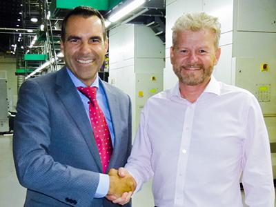 Menno Jansen (Directeur Q.I. Press Controls) en Steve Whitehead (Managing Director Newsprinters UK)