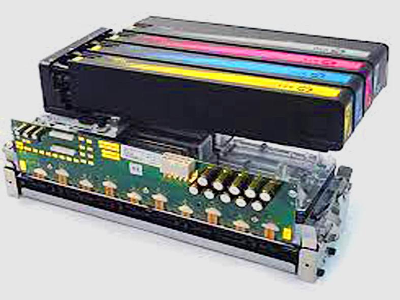 Opengewerkte printengine met inktcartridges-set